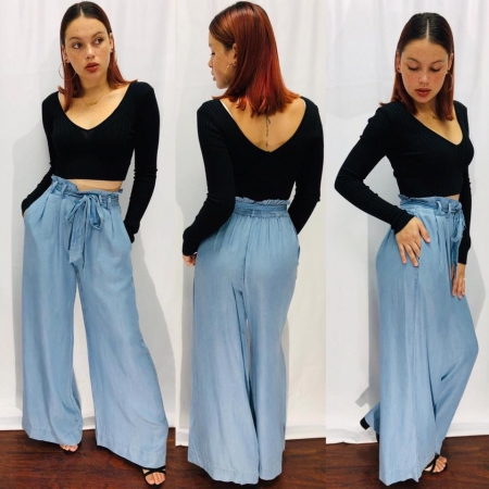 Crop-top w/ Denim Pants